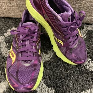 Saucony Woman's running shoes